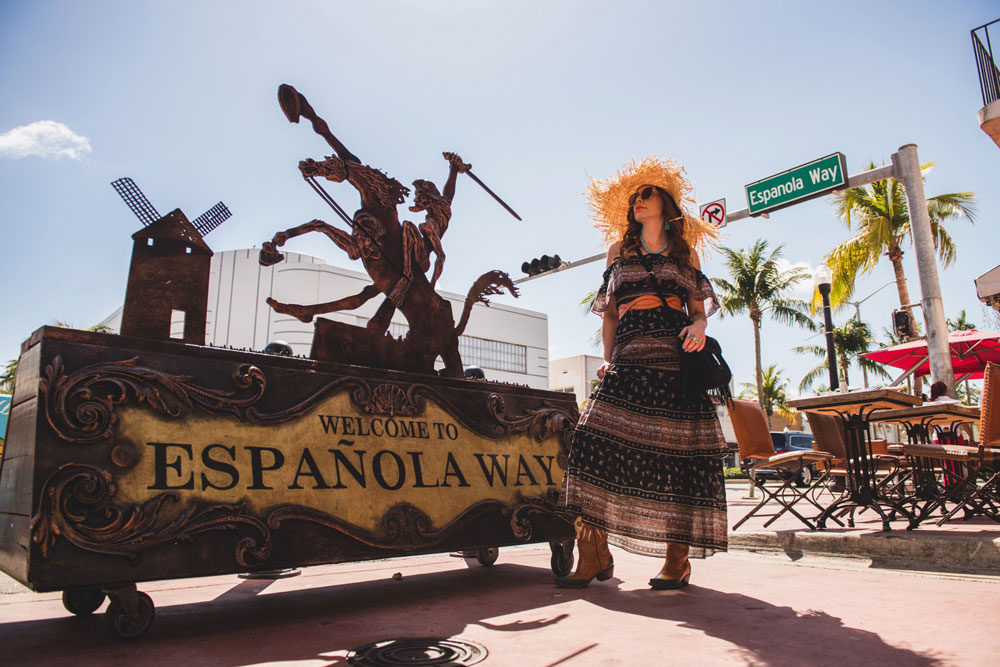 A Day on Española Way